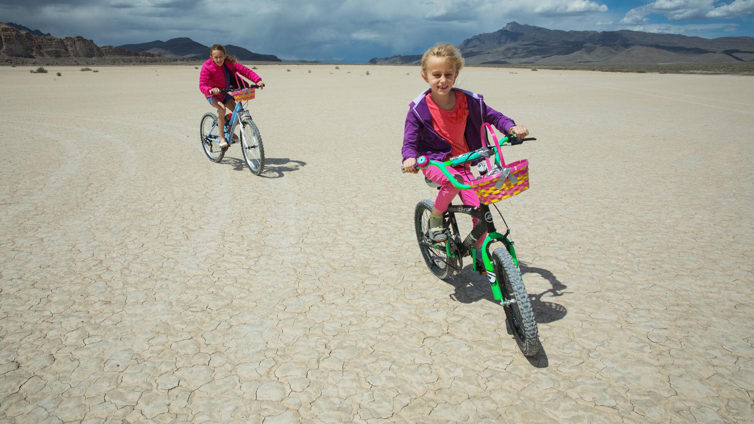 Essentials M/ädchen Girls 3-Pack Cart-Wheel Short